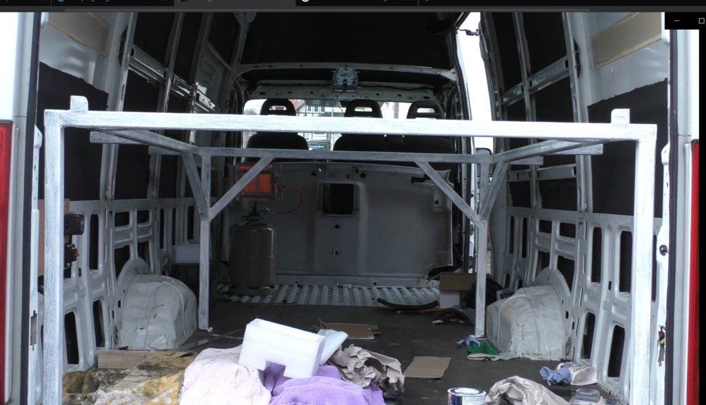 Bettgestell bauen Camper Ausbau Wohnmobil Iveco Daily