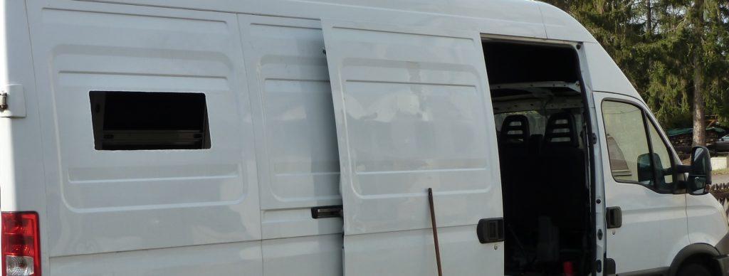 Ausstellfenster Dometic Einbau Iveco Daily 700x300