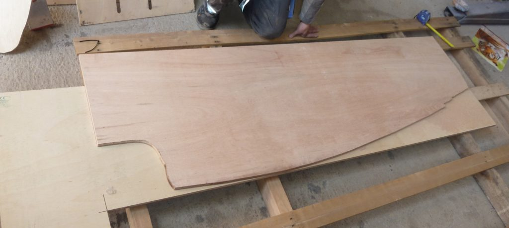 Camper Holzverkleidung Wand bauen Holz Iveco Daily