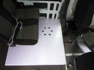 Styrodur im Camper Ausbau Iveco Daily Tisch Rücksitzbank