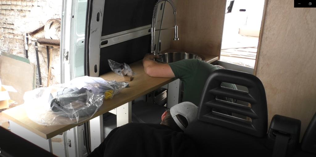 Arbeitsplatte Küche Ikea im Camper Wohnmobil Einbau Spüle