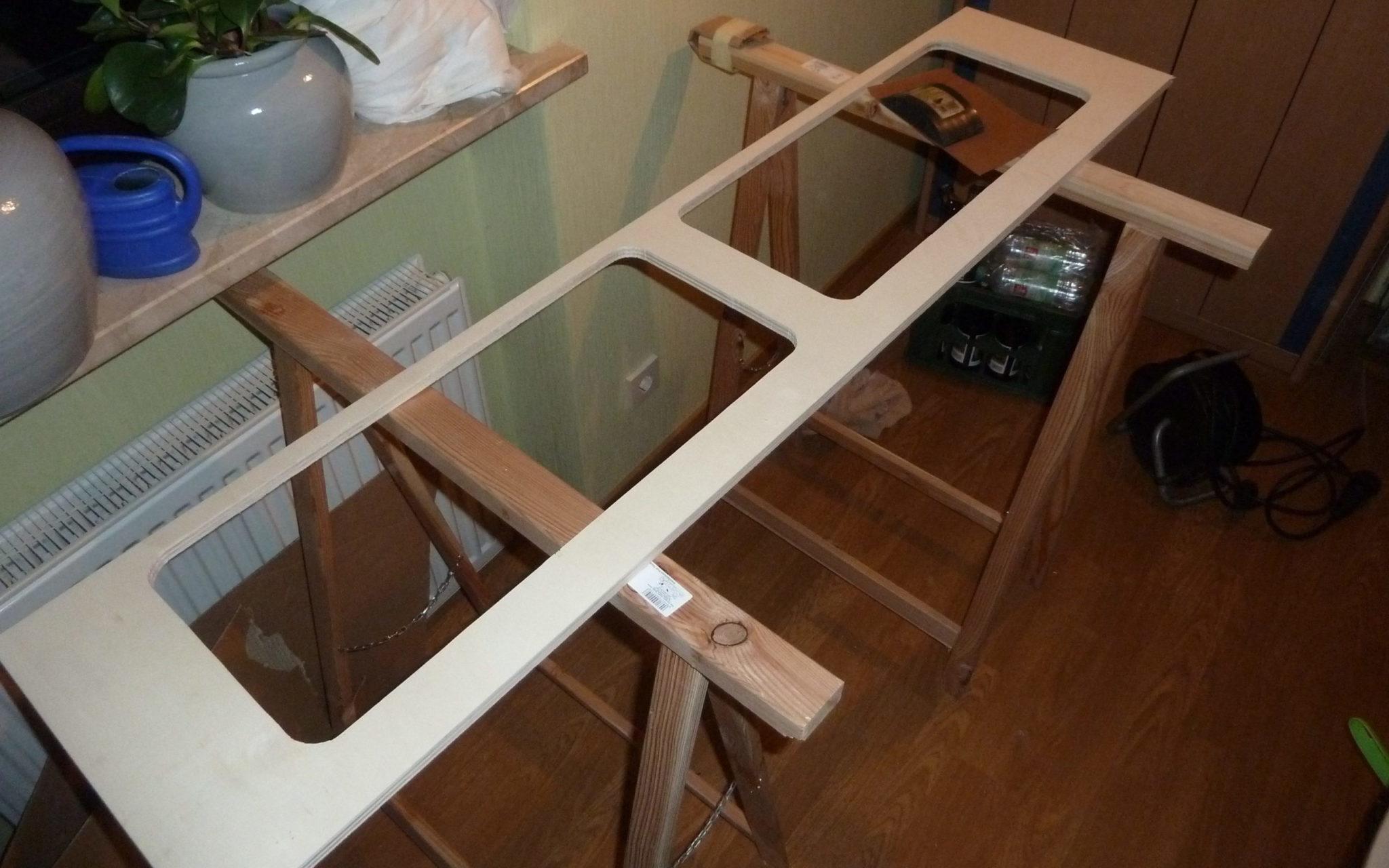 Möbelbau Hängeschrank Iveco Daily Campervan Pappelsperrholz Ausschnitt sägen