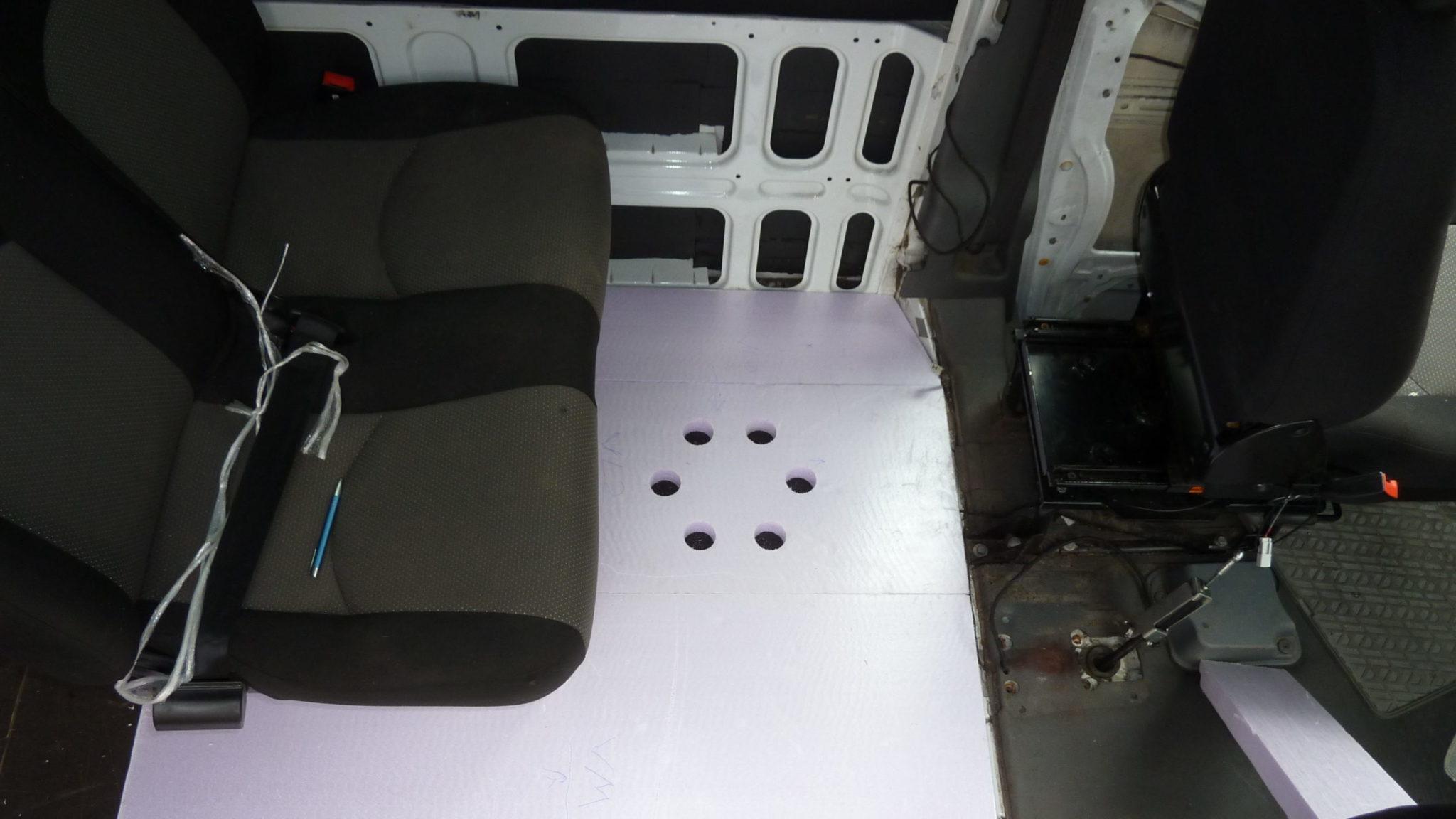Iveco Daily Rücksitzbank montieren Campervan