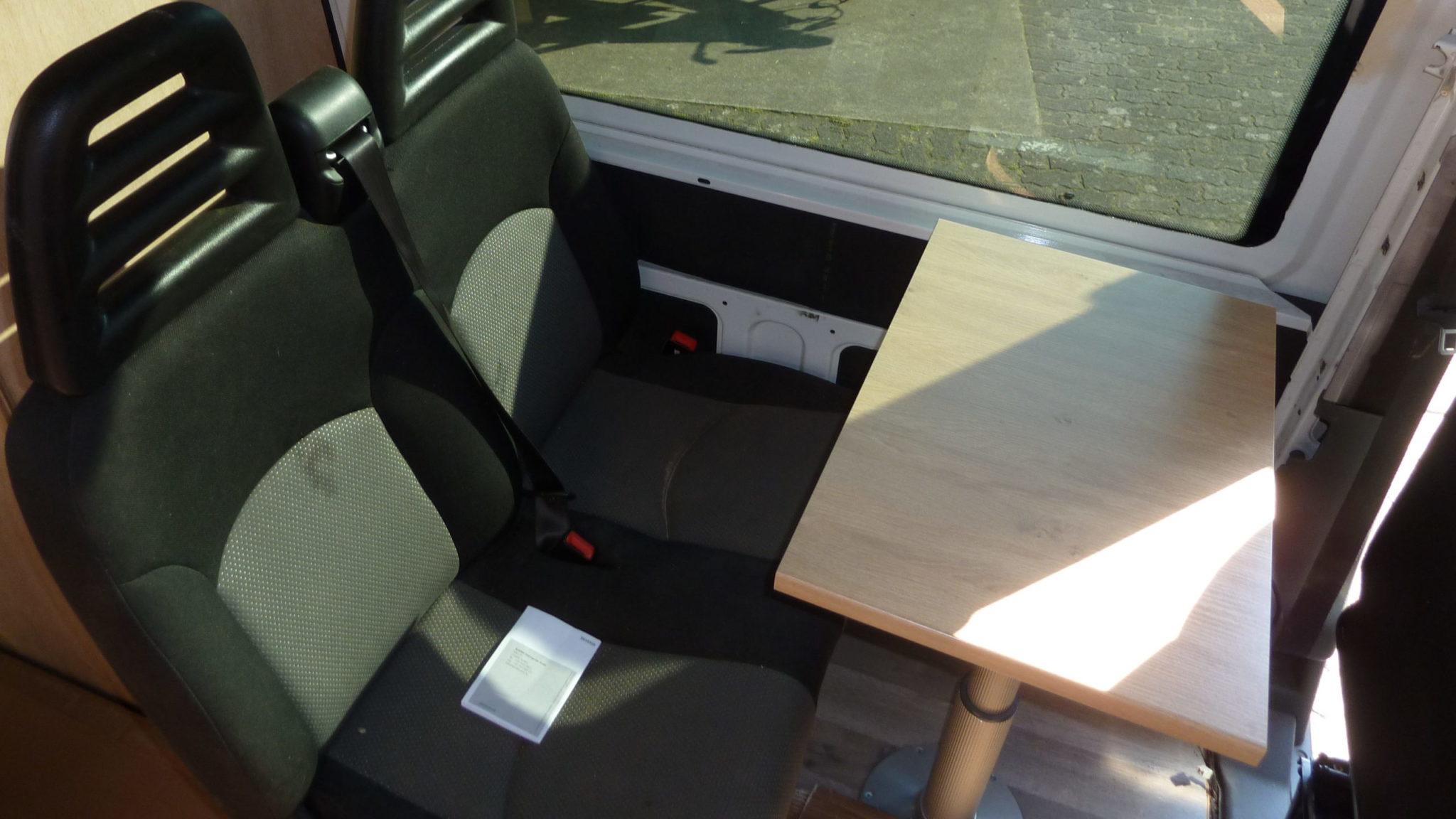 Iveco Daily montieren Tisch Campervan